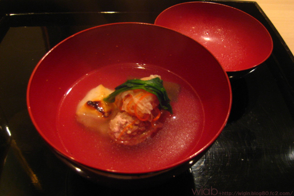お椀は鶉と餅☆ 出汁もいい感じだった。