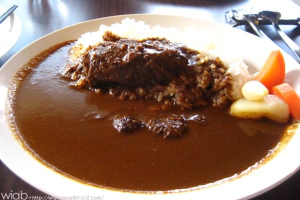 牛ほほ肉の赤ワイン煮込みカレーライス+特製サラダ