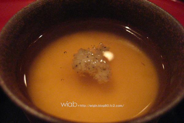 茶碗蒸しに餡かけ☆ 器が良いお店は味も美味しい?? こだわりがあるのは良いこと☆ 中に入ってた鯛の白子がマジで美味しかった!!