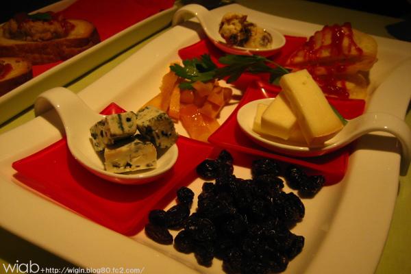 チーズとかレーズンとか。。 おつまみ的ナ☆