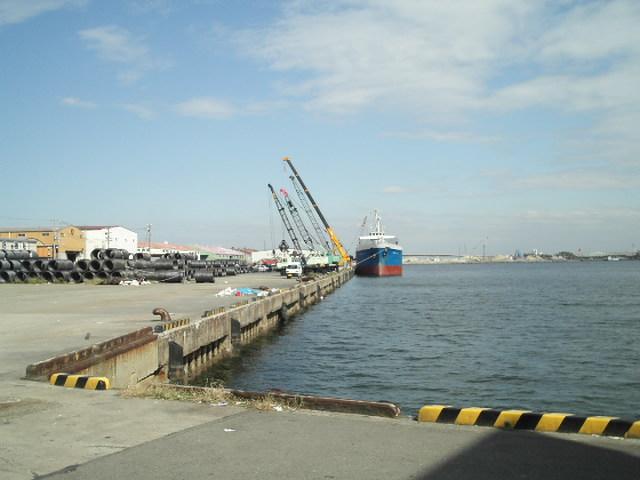 貝塚港・・・