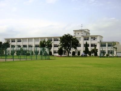 school_building4.jpg