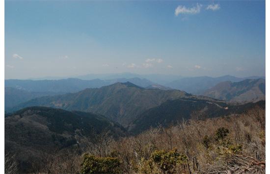 高塚山頂より西の方角を望む