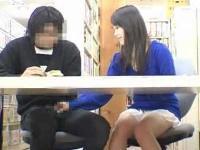 綺麗な痴女お姉さんが静寂な図書館内でこっそ~り手コキフェラ!