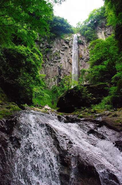 東椎屋の滝2