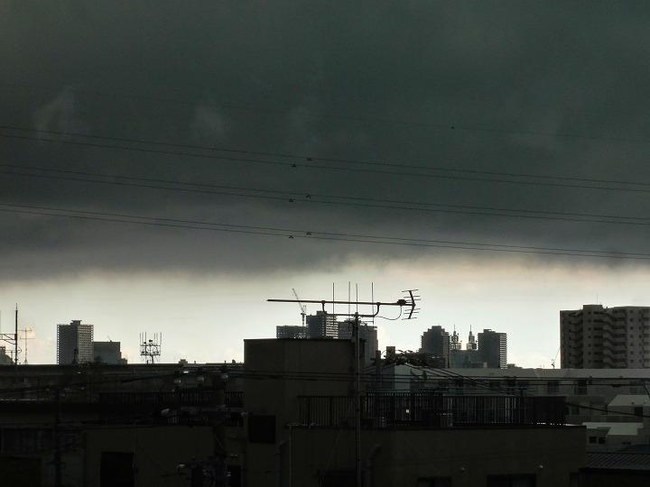 ゲリラ豪雨雲01
