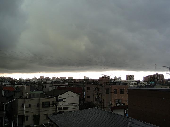 ゲリラ豪雨雲02