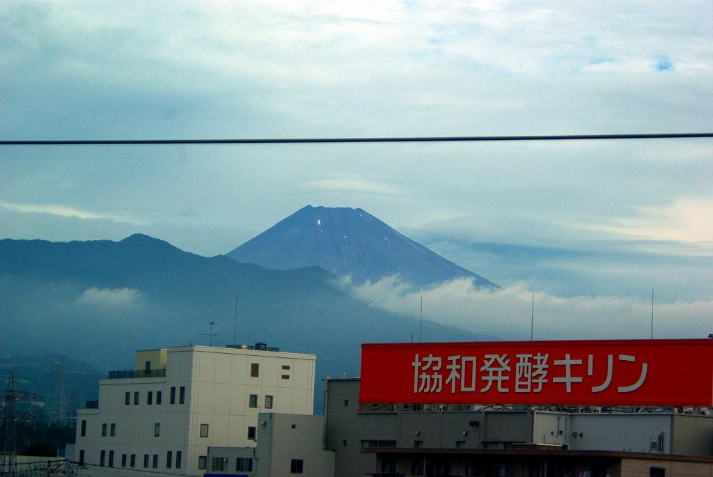 新幹線からの富士山00