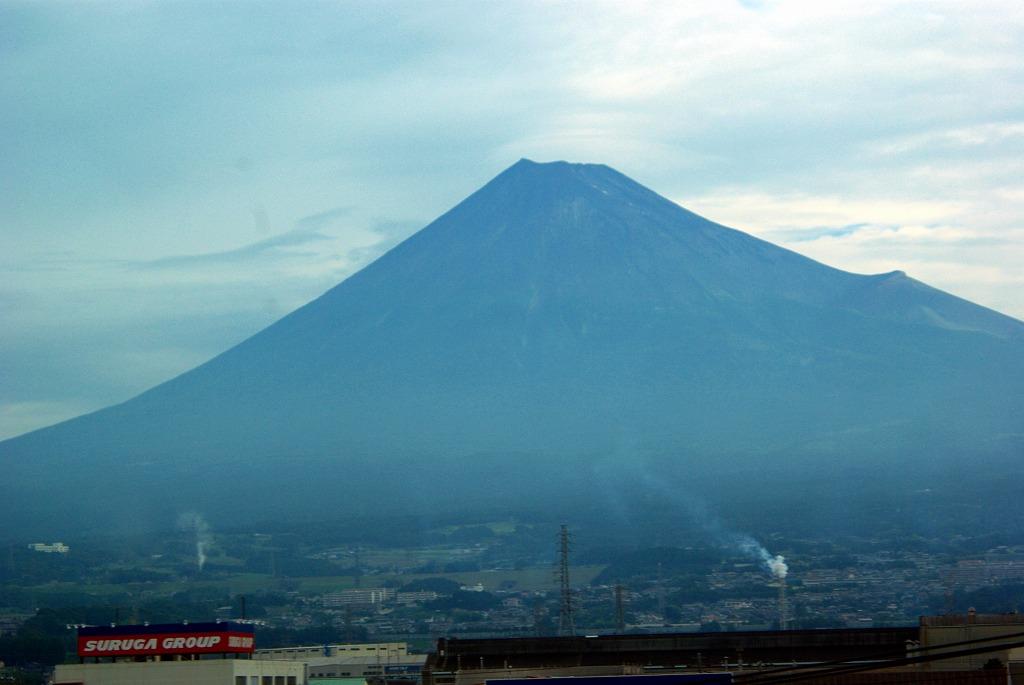 新幹線からの富士山02