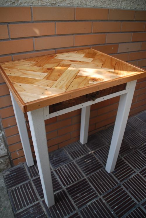 テーブル羽目板1