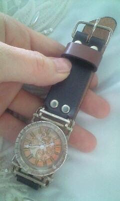ギャルソン時計前