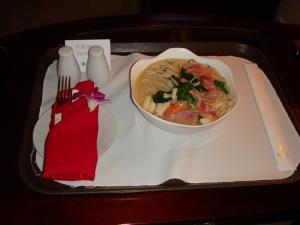 ルームサービスの麺