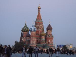 日暮れのポクロフスキー寺院
