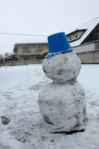 ひとり雪だるま。。。