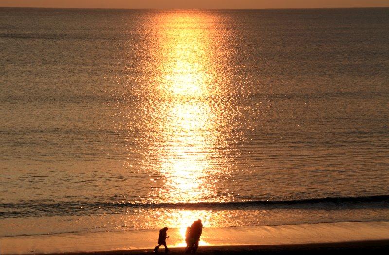 それぞれの夕景-江の島2012.1.22