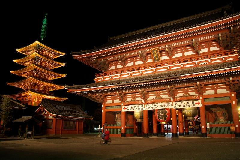 浅草 宝蔵門と五重塔