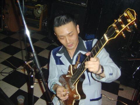 g_tomonari.jpg