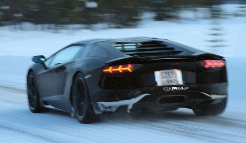 spyshots_2013_lamborghini_aventador_roadster_winter_testing.jpg