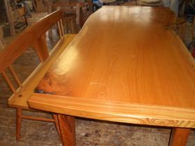 欅のテーブル、ベンチ