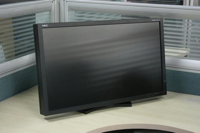 LCD-PA271W_03.jpg